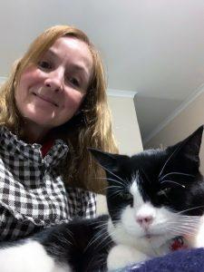 Veterinary_Nurse_Candice_Drew_with_cat_Maggie